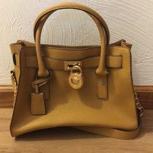 BRAND NEW Michael Kors Hamilton handbag